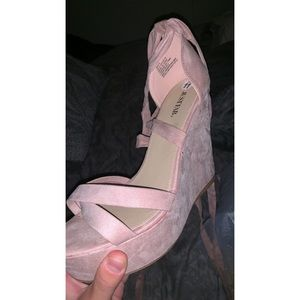 Brand new Justfab blush lace up suede wedges sz 11